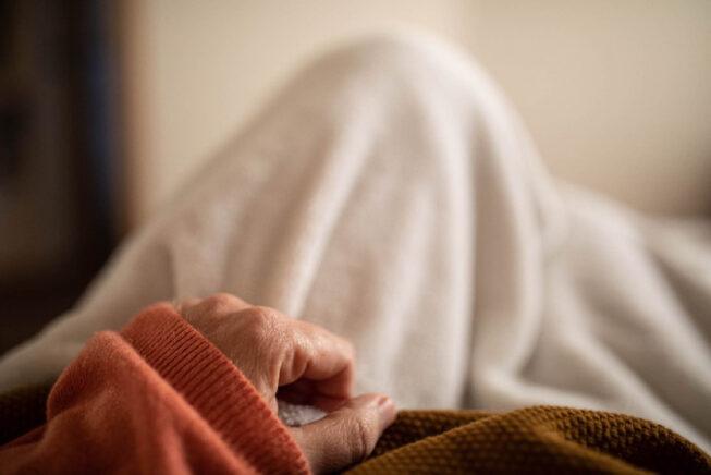 Maria Di Pietro – Sulla fotografia della vita quotidiana d'una contagiata dal Coronavirus e l'immagine contaminata di un popolo nella civiltà dello spettacolo