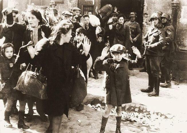 Historìa di un'icona del '900: Il bambino del ghetto di Varsavia, 1943